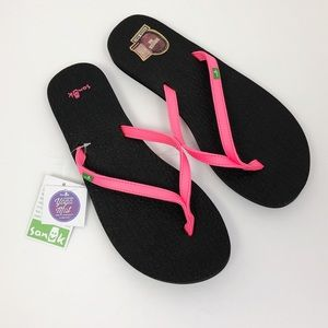 Sanuk | NWT New! Yoga Spree 4 Flip Flops Sandals